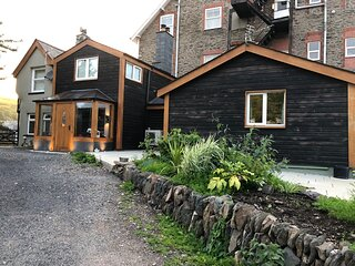 Spacious 4-Bed House in Lynton