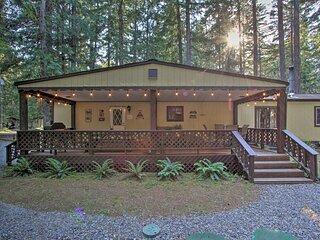 Cozy Outdoor Hub w/Fire Pit: 1mi to Mt. Rainier NP