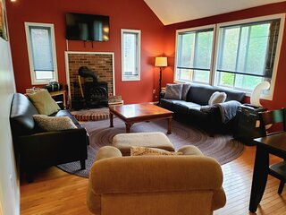 Spacious 5 Bedroom vacation house in the Heart of North Conway