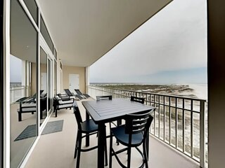 Luxurious Ocean-Front Condo - Sub Lease 43% OFF