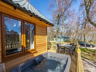 Thistle Lodge 21 with Hot Tub