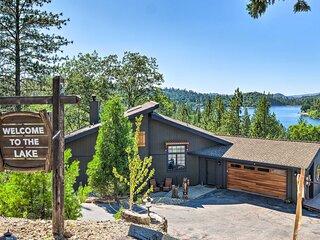 NEW! Groveland Lake House w/ Hot Tub & Water Views