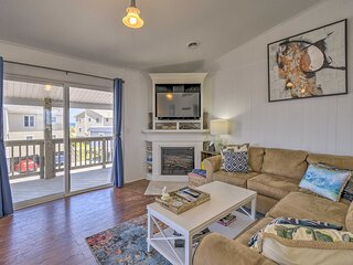 NEW! Remodeled Nags Head Townhome < 1 Mi to Beach!