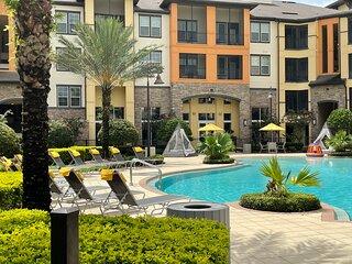Universal Executive Suites in Orlando near Seaworld, Walt Disney & ICONN Park