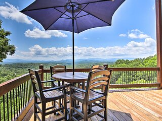 NEW! Luxe Mineral Bluff Cabin w/ Private Hot Tub!