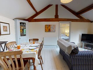 The Hayloft-Cotswolds bolthole retreat for two