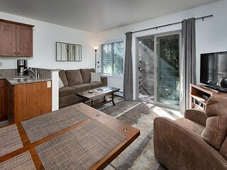 Wildwood Suites 207 Ski-in Condo Downtown Breckenridge Lodging