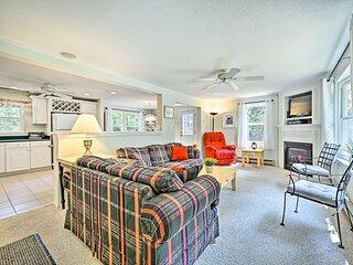 Cozy Home < 2 Mi to Cranmore & North Conway Shops!