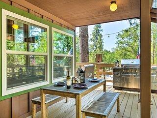 NEW! Cabin < Half Mi to Pine Mountain Lake Marina!