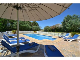 Large country house located in a quiet rural setting in the Llevant area