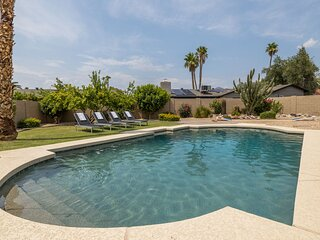 New! Stunning, Central Scottsdale Hideaway w/ HEATED Pool & Putting Green!