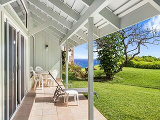 Kamahana 23: Spacious and light, private, with golf course and ocean views.