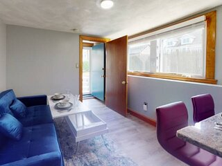 New! Renovated Private Apartment near Boston, Eateries, Encore Casino, Mass Gene