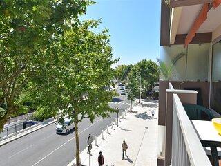 Arcachon centre ville JOLI STUDIO bien placé, parfait pour 1 couple avec balcon