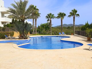 Beautiful two bedroom apartment with roof top views to the Cala d'or Marina
