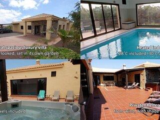 Villa Alegre Lajares  individual luxurious villa - heated indoor pool & hot tub