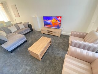 ECOLION 3 BEDROOM HOUSE IN THE HEART OF GILLINGHAM