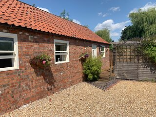 Church Farm Cottage with private hot tub