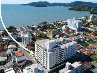 Apartamento 3 dorm a 100 metros da praia de Perequê em Porto Belo
