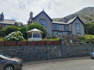 Stunning Sea view, Immaculate 4-Bed family House
