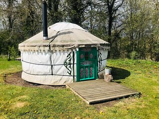 Myrtle, a cosy yurt in field and woodland surrondings