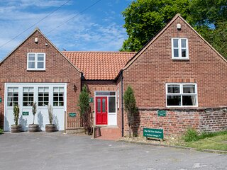 CALL OUT COTTAGE, conversion from a former fire station, en-suites, walks from
