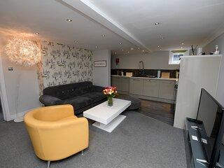 Garden Mews| Harrogate Centre| 2 Bedroom Apt| Outdoor seating area