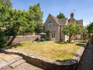 Peach Cottage is a Grade II listed cottage located in the village of Poulton.