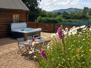 Seven Stars Self Catering with hot tub spa !