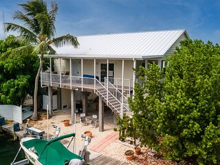 Key Vaca 4 bedroom 3 bath with Jacuzzi/Spa room for a 25 ft boat