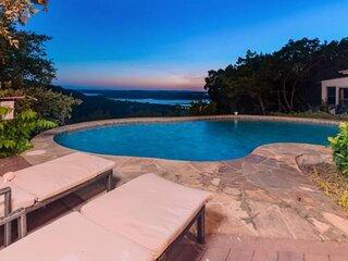 New Listing! Private Pool, Hill Country & Lake Views, Secluded, WiFi, Covered de
