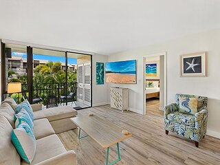 New Listing! Dazzling Contemporary Remodel, Split AC, Beach Access Steps Away