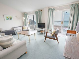 Clifton Court Apt 16 with Seaviews & Heated Pool