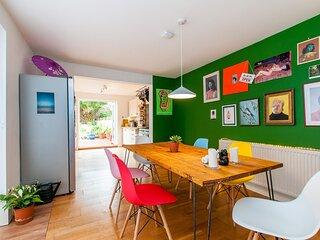 Stylish 3 Bedroom Edwardian House Close To Beach