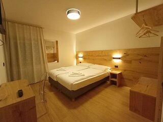 Guest Room In San Lorenzo Dorsino