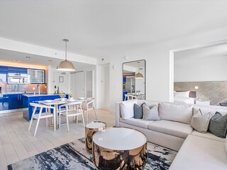 NEW* W Hotel Luxurious 2 Bedroom Suite, 20th floor w/ Ocean and City Views, 5