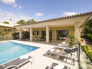 Villa Mar Azul with sea views 600 meters to the beach