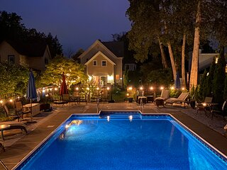 Heated Pool, Walk to Track, Town and SPA Park