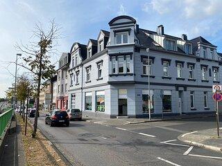Zwei Raum Wohnung/Zentral/Bayernahe max. 4 Gaste