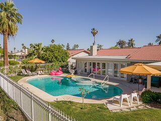 Desert Pool House: Sun, Swim, Sip & Stay