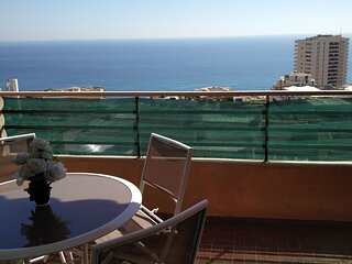 2 P ensoleillé vue mer plein centre de Beausoleil, à 2 min à pieds de Monaco