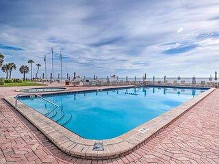 NEW! Daytona Beach Condo with Ocean-View Balcony!