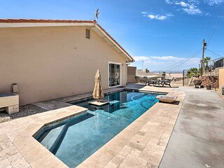 Lake-View Oasis: Private Pool & Gated Boat Parking