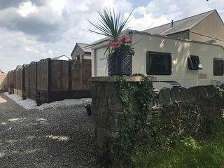 Lovely 1-Bed Caravan in Minffordd near Porthmadog