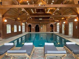 Nedging  Hall country retreat with indoor pool, sauna, Tennis court, billiard rm