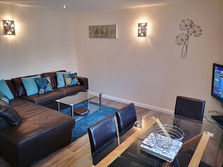 Coast Apartments Sun; spacious 2 bedroom duplex - sleeps 4 adults and 2 children