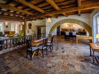 Bella Villa Bolina attrezzata con piscina e colazione gratuita
