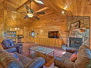 Cozy 'Sunset View' Cabin w/ Hot Tub & Game Room!