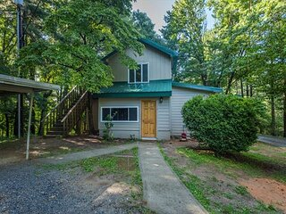 Play House at Lakemont | Modern & Pet-friendly Home in Scenic Flat Rock