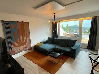 Ideally located 8th floor apartment with balcony in Winterberg